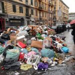 garbage_naples_01