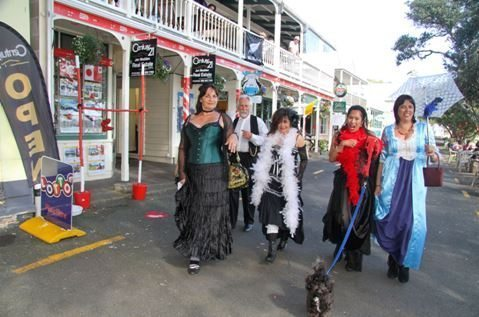 New Zealand Women in Costume